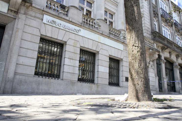 """Novo Banco dá descontos de 67% ao """"rei dos frangos"""""""