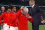 Jogadores da Inglaterra removeram as medalhas que receberam na final do Euro 2020