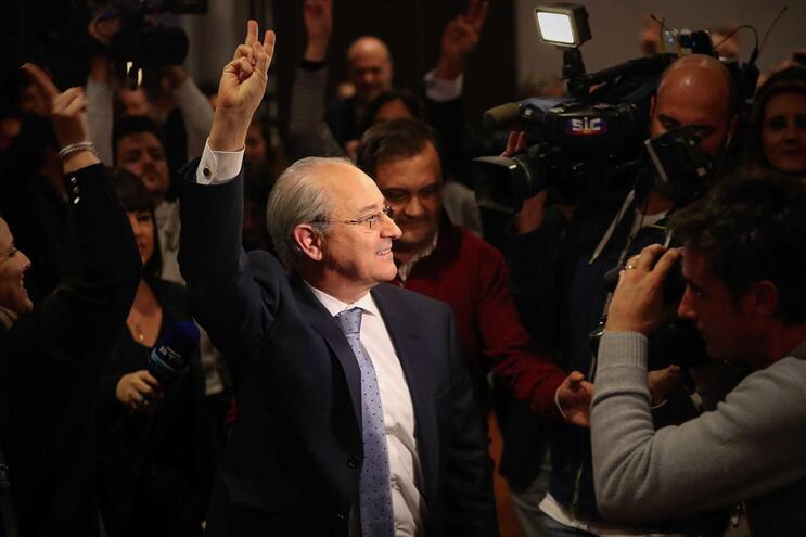 Rui Rio foi reeleito líder do PSD