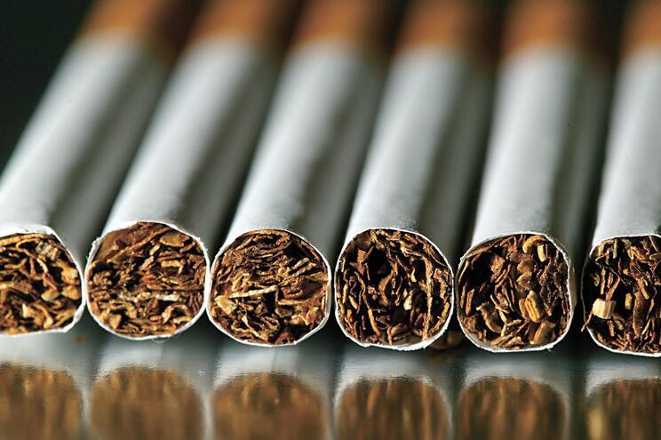 Rede russa abastecia mercado negro de cigarros