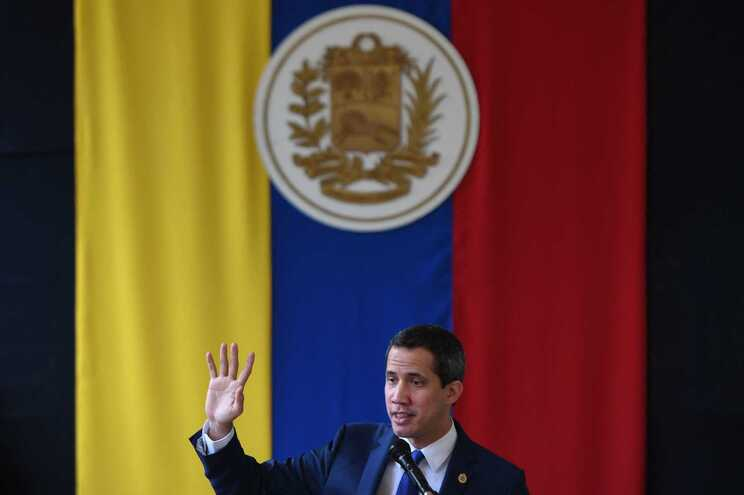 Juan Guaidó numa conferência de imprensa em Caracas