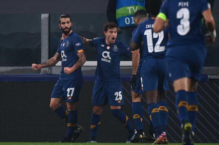 Dragões, que eliminaram a Juventus nos oitavos, defrontam os ingleses, que afastaram o Atlético de Madrid