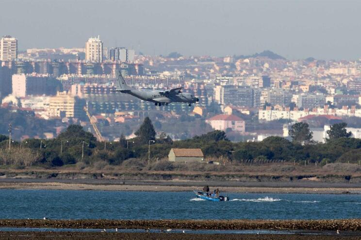 Governo quer mais respeito pelas restrições de voos noturnos
