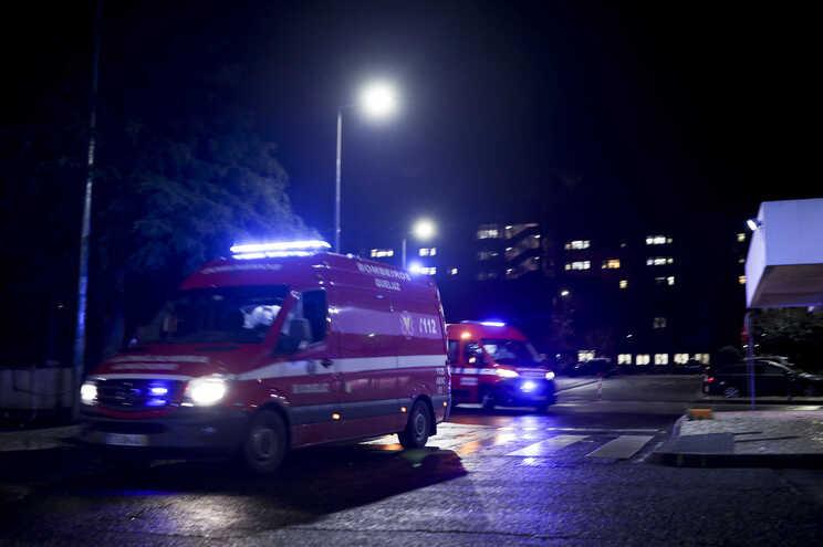"""""""Sobrecarga"""" na rede de oxigénio do Hospital Amadora-Sintra originou uma falha que obrigou à transferência"""
