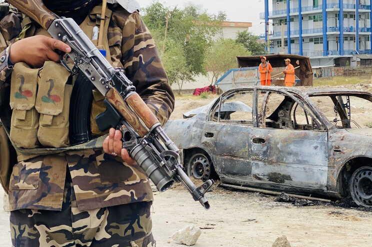 Novas explosões registadas perto do aeroporto de Cabul