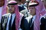 O príncipe Hamzah bin Al Hussein com o seu meio-irmão, o Rei Abdallah II da Jordânia, numa foto de 2004