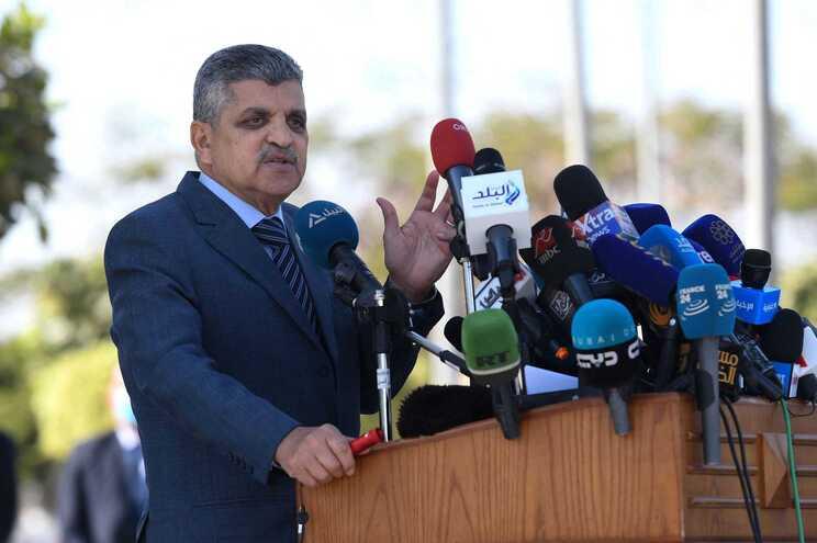 Osama Rabie, presidente da Autoridade do Canal do Suez