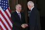 O presidente norte-americano, Joe Biden, e o homólogo russo, Vladimir Putin, deram um aperto de mão