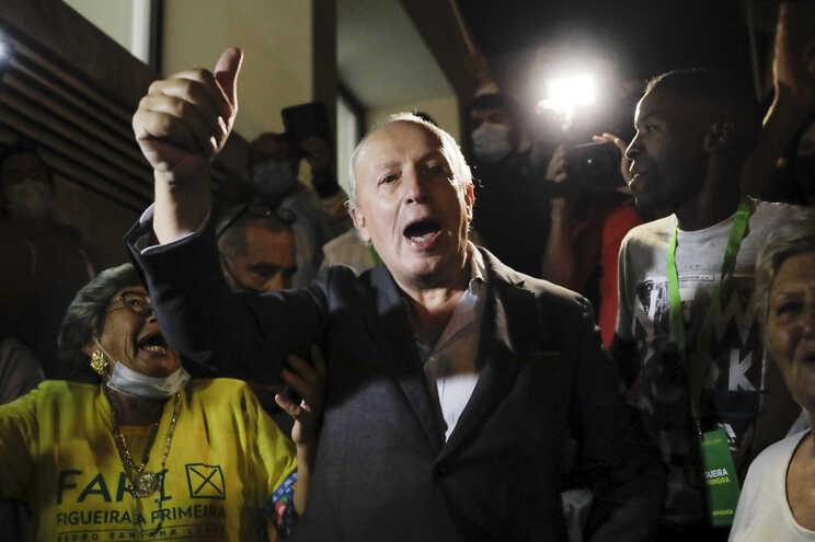 """Proeza sem igual"". Santana Lopes canta vitória na Figueira da Foz"