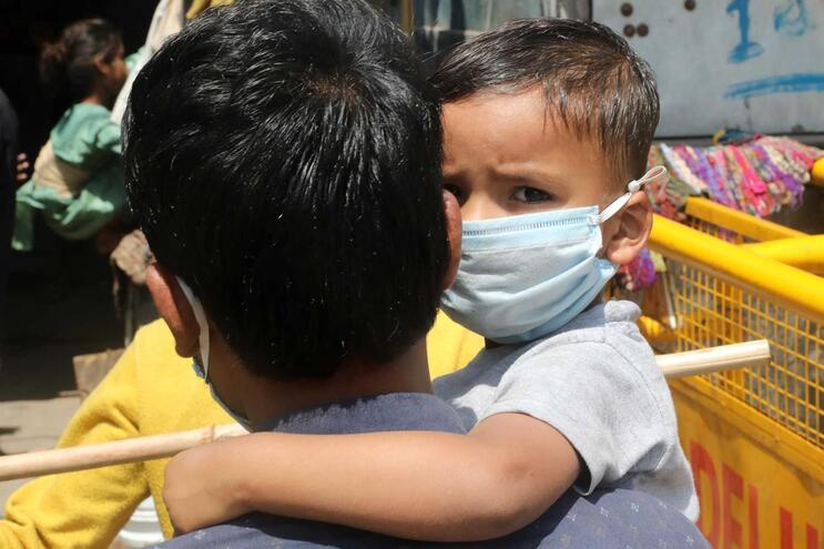 A doença de Kawasaki é uma síndrome inflamatória que afeta crianças