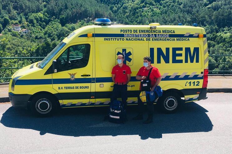 Duas pessoas integram a equipa do INEM