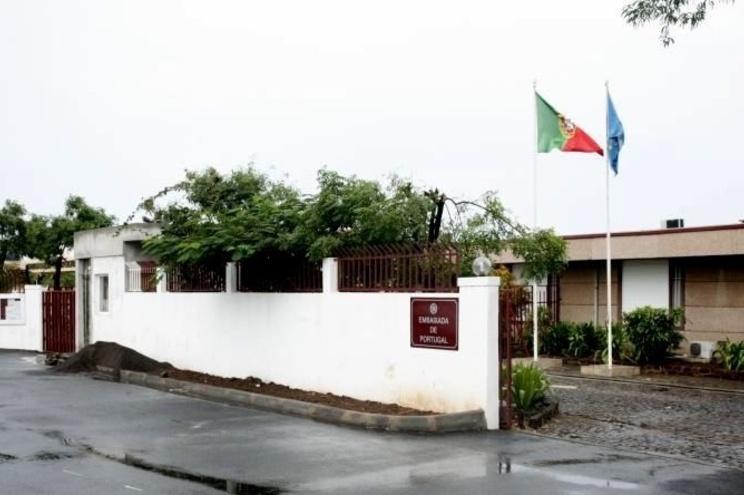 O país conta atualmente com 575 casos ativos da doença, dos quais 244 na cidade da Praia