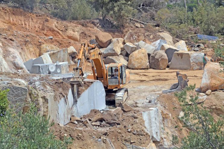"""Três pedreiras do Algarve estão em """"situação crítica"""""""