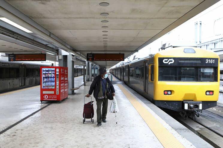 Governo prevê comboio de alta velocidade Lisboa-Madrid até final de 2023