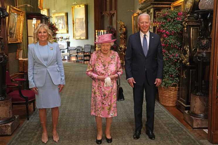 Isabell II e Biden tomaram chá no castelo de Windsor