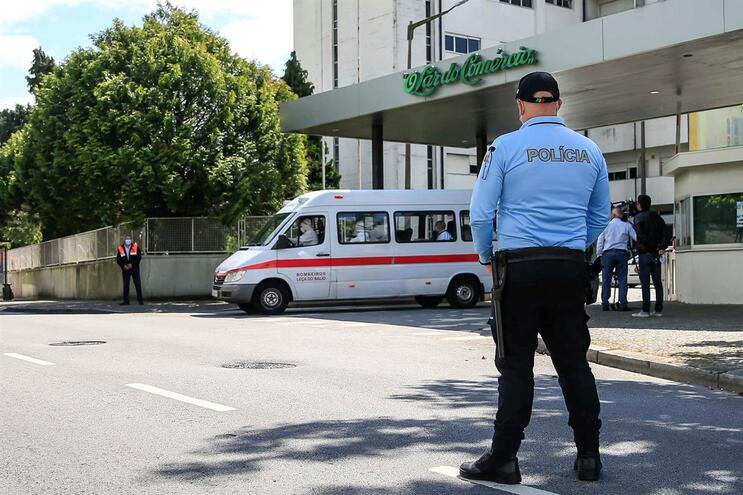 Familiar de utente que morreu infetada apresenta queixa contra lar de Matosinhos
