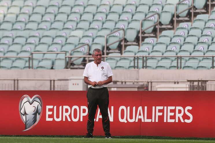 """Fernando Santos elogiou o Azerbaijão, uma seleção """"que não se esconde só no processo defensivo"""""""