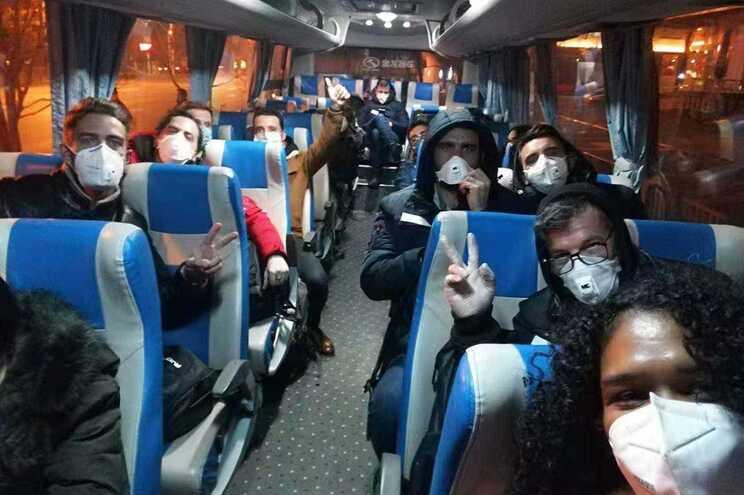 Os portugueses resgatados de Wuhan, China, no início do ano