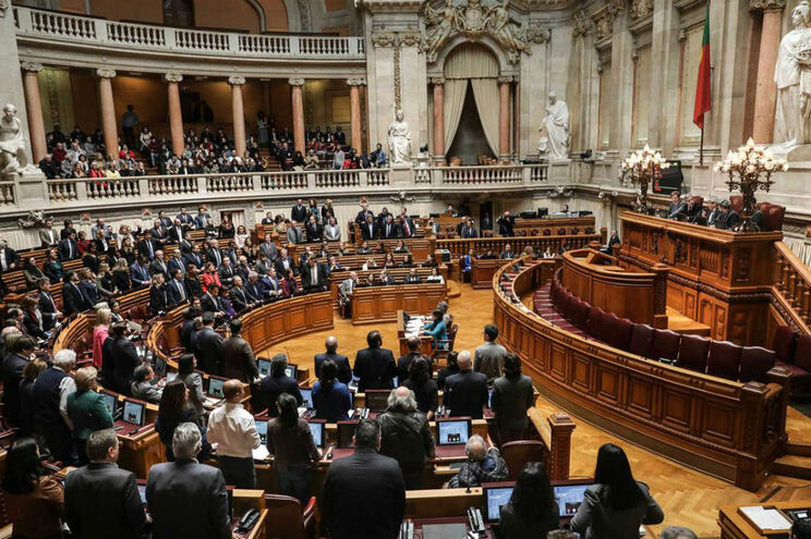 40 deputados do PS votaram contra baixa do IVA nas touradas