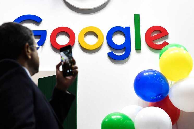 Google deixa de permitir anúncios que contenham desinformação sobre as alterações climáticas