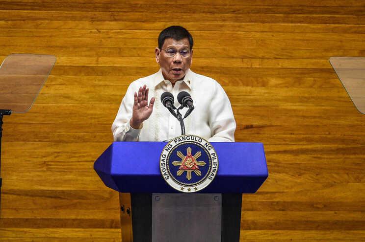 Presidente das Filipinas reconhece dificuldades da cruzada antidroga
