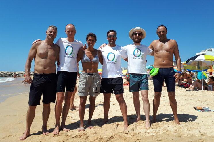 Cinco homens e uma mulher fazem travessia solidária a nadar de Lagos à Praia da Rocha