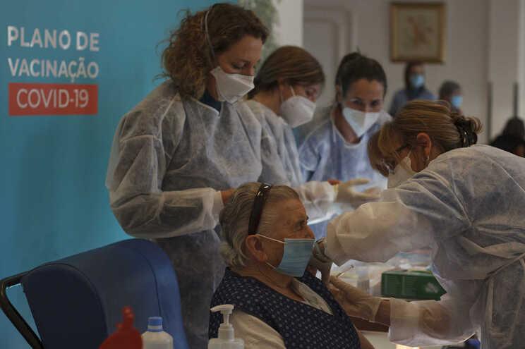 Lino Maia pede cumprimento escrupuloso das prioridades na vacinação
