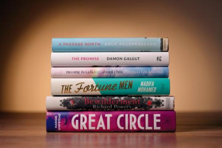 Prémio literário Booker revela lista de seis finalistas