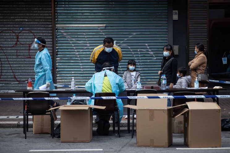 China registou até domingo 88.336 casos de covid-19 e 4.635 mortes