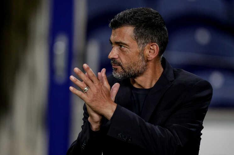 Treinador do F. C. Porto volta a evitar falar sobre próxima época