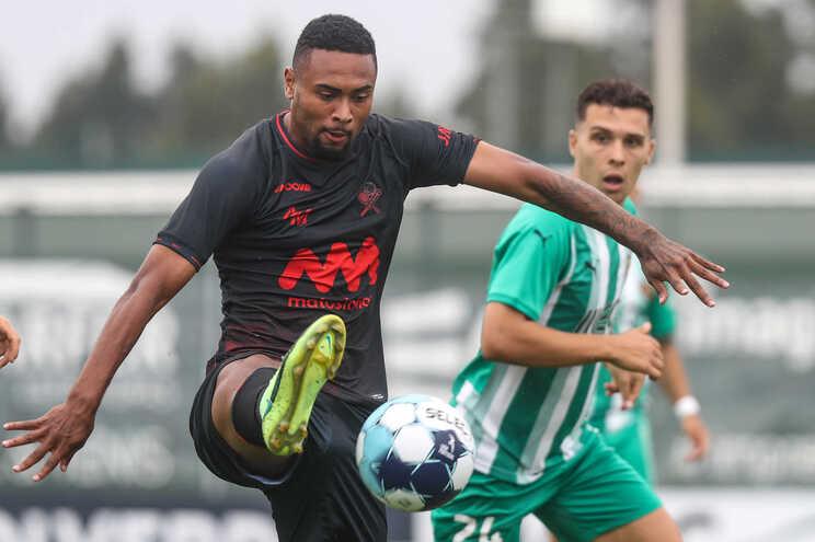 Wendel em ação no último jogo do Leixões frente ao Rio Ave, na Liga 2