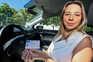 Sofia Nunes, de 20 anos, começou a ter aulas em março de 2020. A jovem tem a carta há dois meses