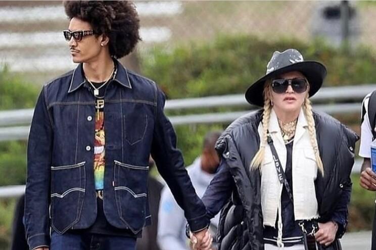 Madonna e o namorado, Ahla Malik, marcaram presença no jogo de David Banda