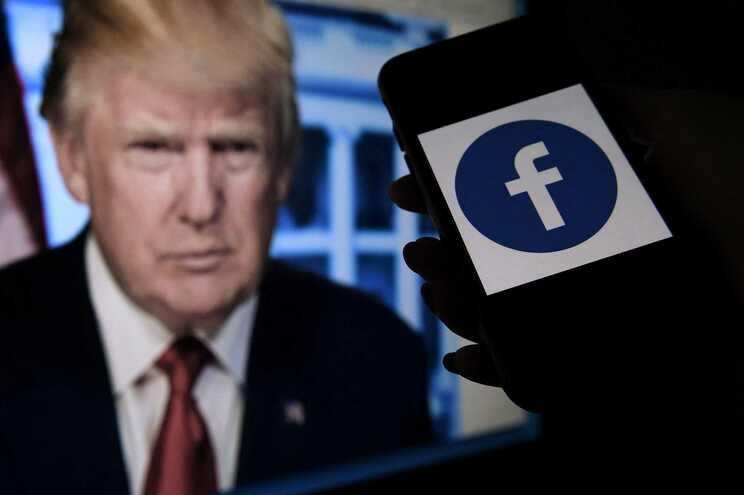Facebook mantém conta de Trump suspensa
