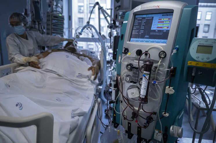 Portugal terá pedido enfermeiros, médicos intensivistas, equipamentos e vagas em hospitais a dois países