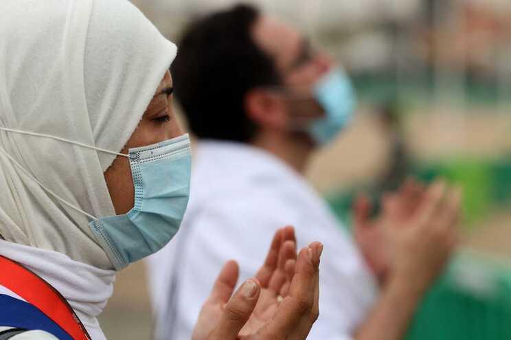 Peregrinação a Meca terminou sem contágios entre os 60 mil fiéis