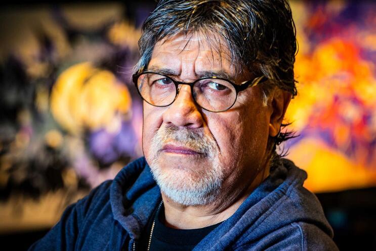 Luis Sepúlveda, romancista, realizador, jornalista e ativista político chileno reside atualmente em Espanha
