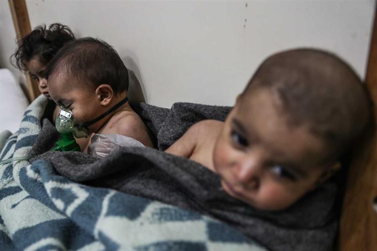 Crianças vítimas da ofensiva em Ghouta Oriental