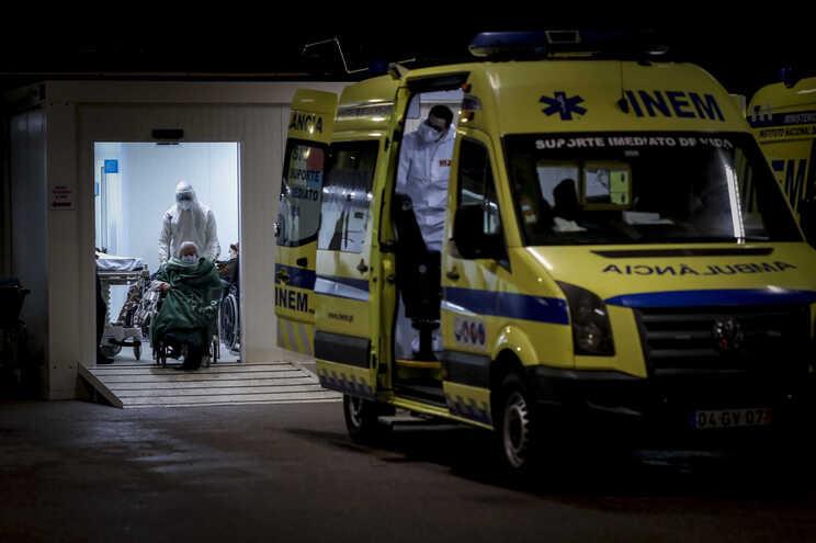 Mais de quatro dezenas de doentes COVID-19 foram transportados para outros hospitais após falha no sistema