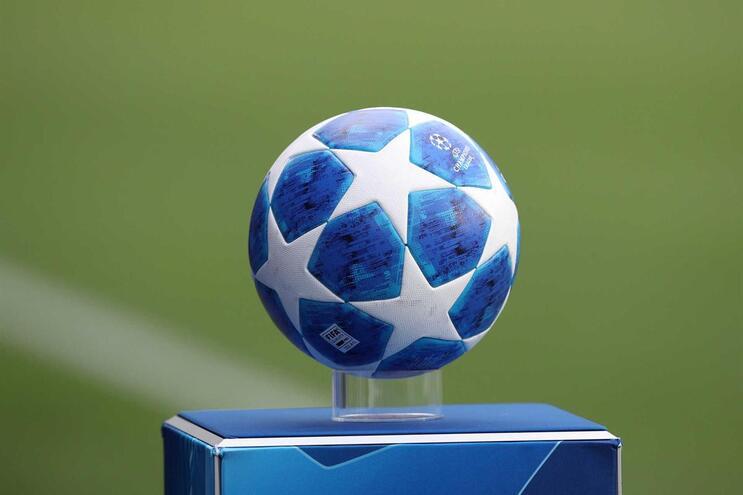 Clubes europeus querem Champions com subidas e descidas de divisão