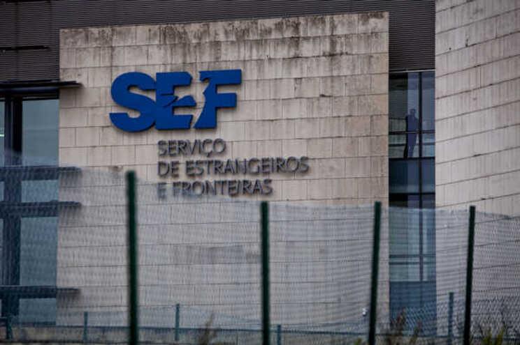 Detidos no aeroporto do Porto dois homens com documentos italianos falsificados