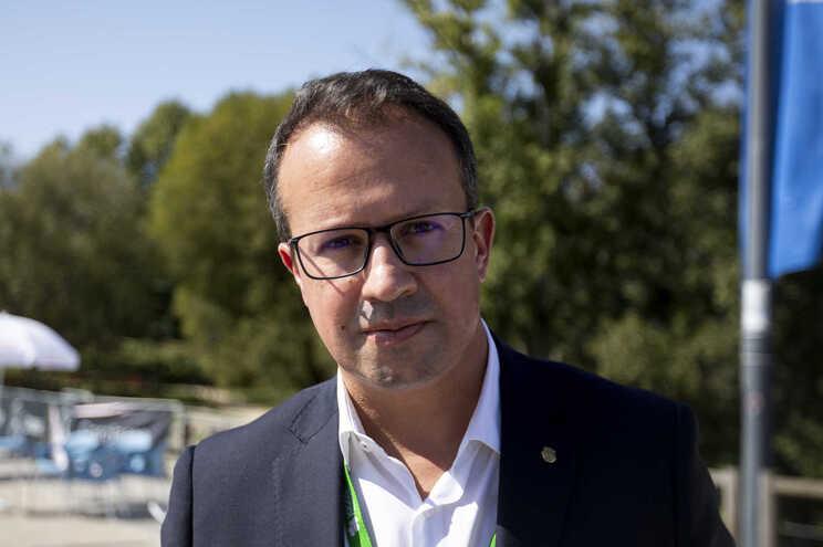 Presidente da Cãmara de Paredes, Alexandre Almeida, quer ter constituídos os serviços de água e saneamento