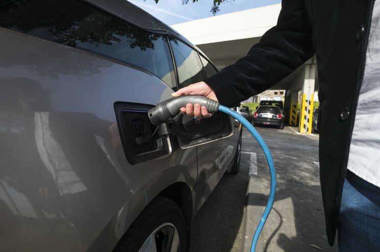 Relação do Porto condenou seguradora do veículo elétrico a pagar indemnização