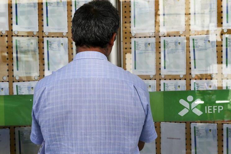 Desemprego registado volta a crescer em agosto, supera 409 mil inscrições