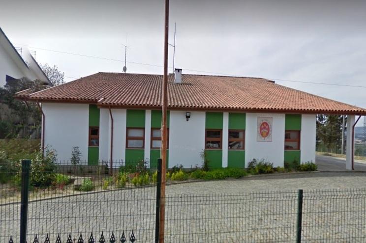 Centro de saúde foi fechado esta segunda-feira à tarde