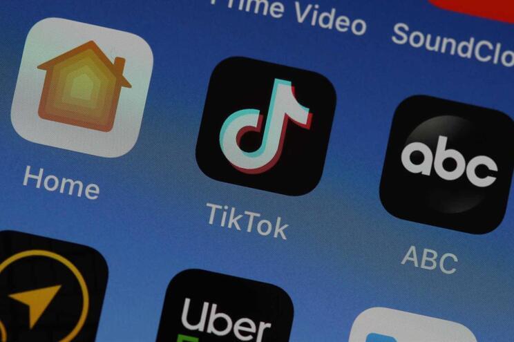Aplicação TikTok é conhecida pelos vídeos curtos com recurso a música