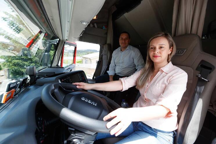 Barbara Santos e Erico Brito Silva, marido e mulher, ambos brasileiros e ambos motoristas internacionais