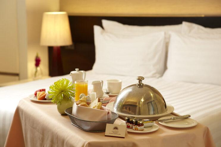 """Falta de mão de obra na hotelaria e turismo é """"problema estrutural"""" do Algarve"""