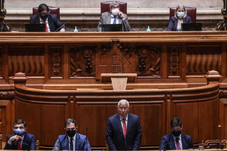 """Primeiro-ministro diz que ultrapassar a crise é """"um desígnio que deve unir"""" os partidos"""