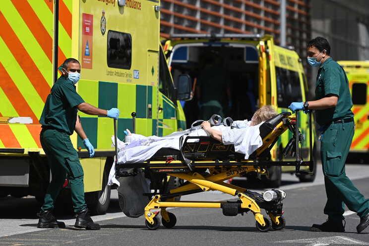 Nos últimos sete dias, entre 17 e 23 de julho, a média diária foi de 57 mortes e 44.249 casos
